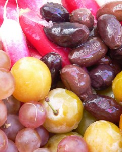 228 - Olives and Grapes
